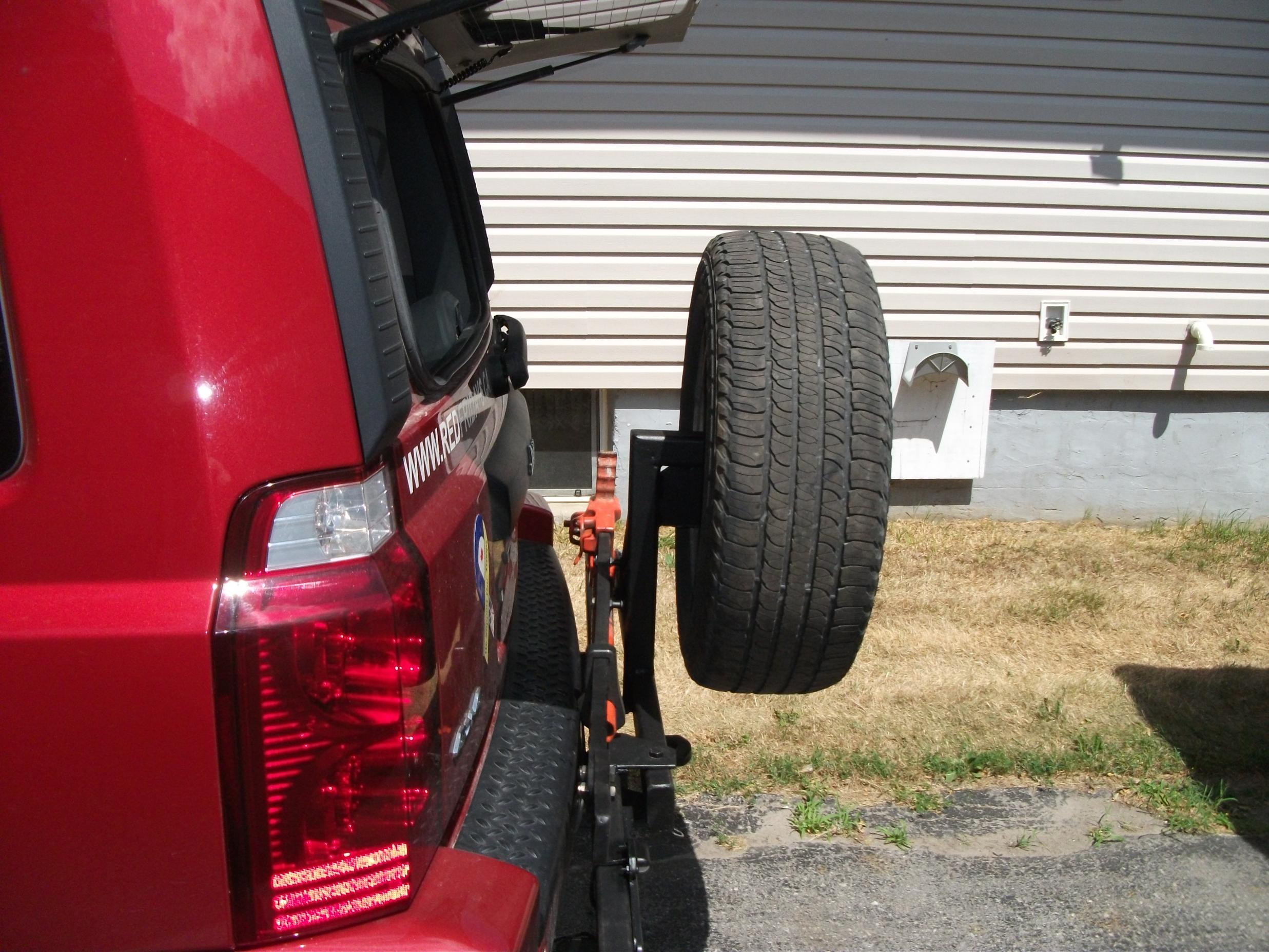 Spare Tire Carrier Mounted Up Jeep Commander Forums Jeep