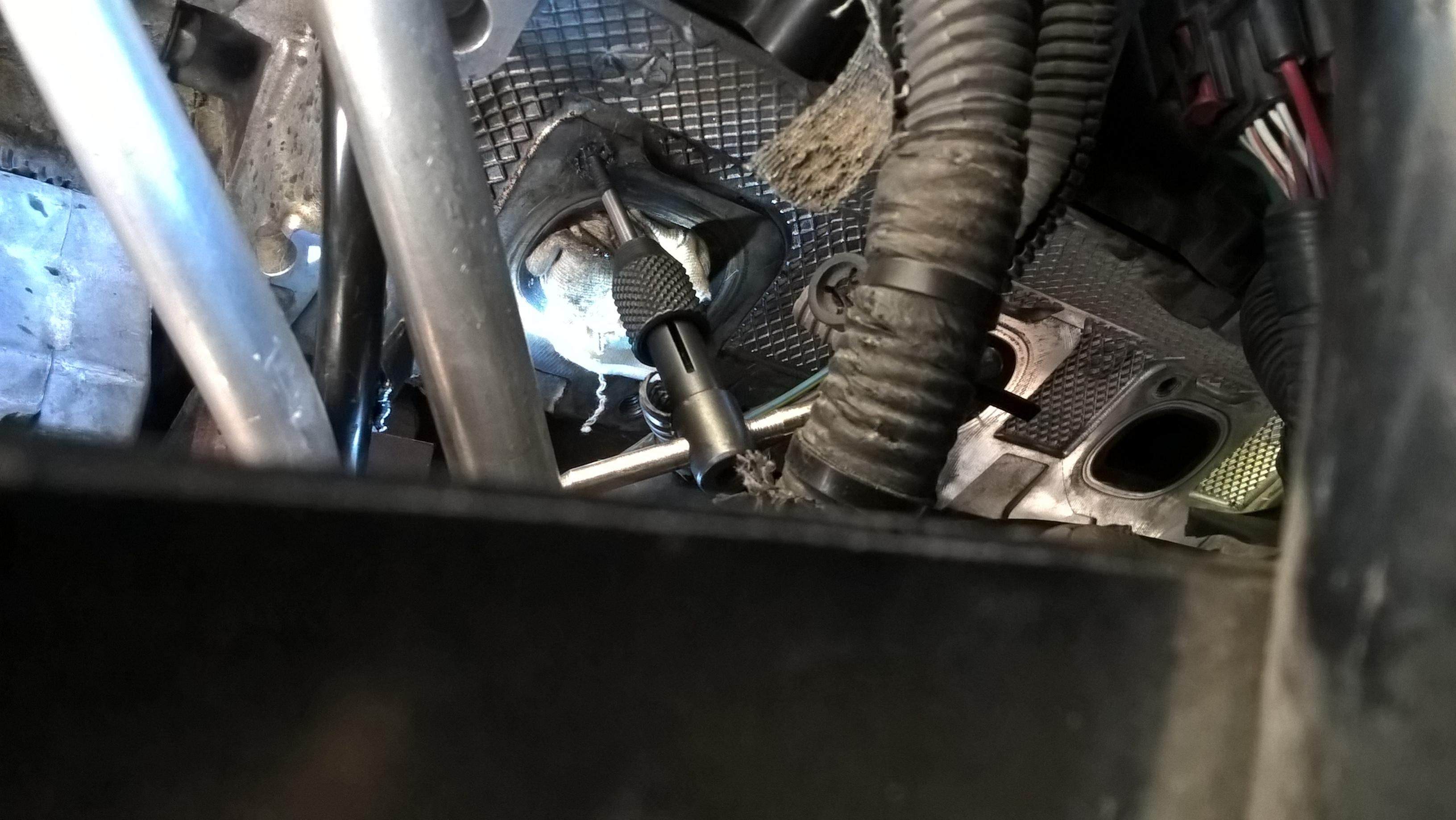 Broken Exhaust Manifold Studs Jeep Commander Forum